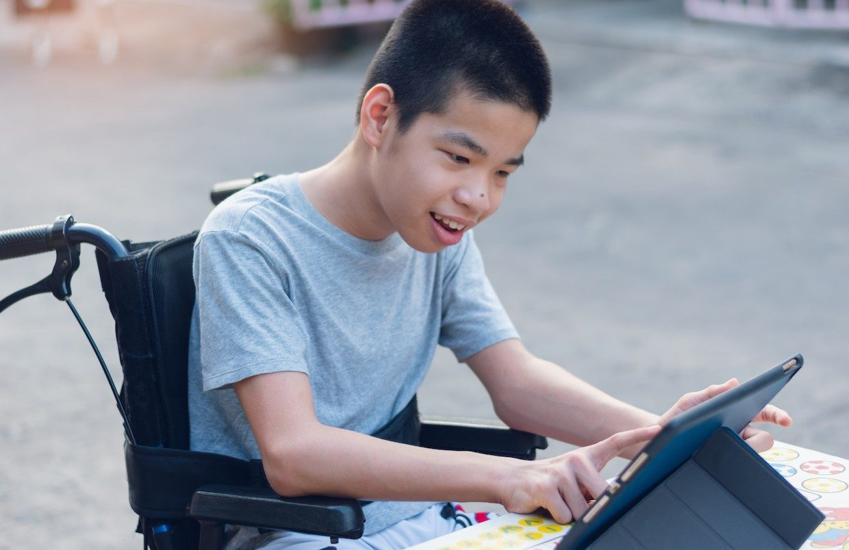 Kid with special needs being supported during pandemic